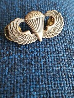 WWII Sterling US Military Paratrooper Airborne Wings Solid Back Pin | eBay Military Issue, Us Military, Paratrooper, Wwii, Wings, Im Not Perfect, The Unit, Free Shipping, Ebay