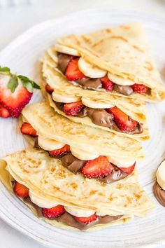 Looking to step up your crepe making game? Check out these amazing crepe recipe… Looking to step up your crepe making game? Check out these amazing crepe recipes to get stared! Think Food, Love Food, Sweet Crepes Recipe, Homemade Crepes, Homemade Recipe, Homemade Sweets, Breakfast Recipes, Dessert Recipes, Breakfast Ideas