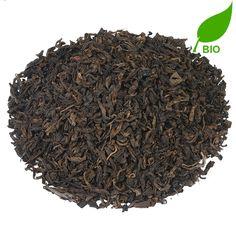 CHINA PU ERH BIO   Pu Erh, vanwege zijn bladkleur ook wel 'Rode thee' genoemd, is een beroemde thee uit de Chinese provincie Yunnan. Dankzij het speciale fermentatieproces wat de thee doorloopt, krijgt deze een karakteristieke milde, aardachtige smaak. Bevordert de concentratie, en is dan ook een prima keus in de ochtend en/of middag.  
