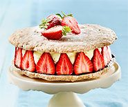 Erdbeer-Japonais-Torte