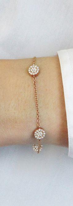 This minimalist pavé diamond station bracelet is a timeless piece that can be passed down. #diamonds #bracelets #danarebecca