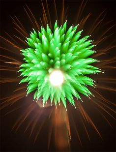 Stunning photos of long exposure fireworks with refocusing by David Johnson