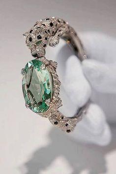 Love vintage look - Vintage ring with jaguar