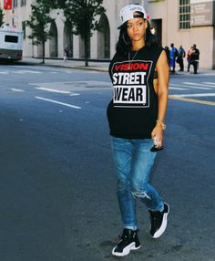 images of women in bad outfits from houston | Rihanna Street Style - FASHION SIZZLE
