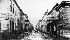 cape town history Muddy Longmarket Street in the Old Pictures, Old Photos, Vintage Photos, Cities In Africa, Cape Town South Africa, Travel Brochure, Most Beautiful Cities, African History, Old City