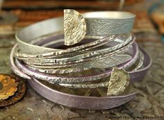 smashed knitting needle BRACELETS and vintage bangles in SMALL Size in Pale Lavender and Silver made from and by Christine Marie Davis Metal Bracelets, Bangle Bracelets, Bangles, Diy Jewelry, Jewelry Making, Boho Look, Vintage Knitting, Vintage Buttons, Boho Gypsy