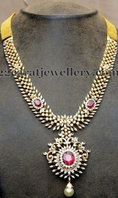 Jewellery Designs: Unique Diamond Set 7 Lakhs