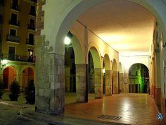 Porxos de la plaça del Blat.