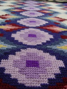 Bargello afghan - close up by Smurf_au, via Flickr - I KNEW someone had to have a tunisian crochet (aka afghan stitch) bargello design out there!