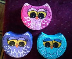 Girl owls Girl owls READ All kinds of beautiful Garden mosaics Mosaic Garden Paver by Diane Kitchener\n. Painted Bricks Crafts, Brick Crafts, Painted Pavers, Stone Crafts, Painted Rocks, Hand Painted, Cement Pavers, Clay Pot Crafts, Owl Crafts