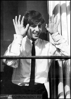 It's the gorgeous super talented George. Beatles Love, John Lennon Beatles, Beatles Songs, Beatles Band, George Harrison, Just Good Friends, Best Friends, Paul Mccartney, The Beatles
