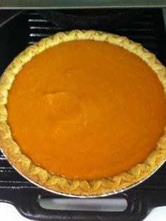 Old School Sweet Potato Pie - - Old School Soul Food. Homemade Sweet Potato Pie, Vegan Sweet Potato Pie, Homemade Pie, Sweet Potato Casserole, Sweet Potato Recipes, Southern Sweet Potato Pie, Sweet Potatoe Pie, Sweet Pie, Southern Food