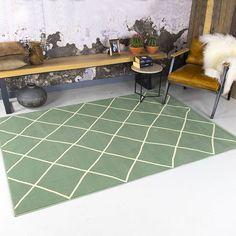 FRAAI Vintage vloerkleed - Wonder Stripe Groen Tile Floor, Blog, Flooring, House, Vintage, Inspiration, Net, Collages, Home Decor