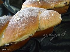 Cozonaci Pufosi (de Post) - Reteta Saptamanii Hamburger, Bread, Food, Embroidery, Hamburgers, Breads, Burgers, Bakeries, Meals