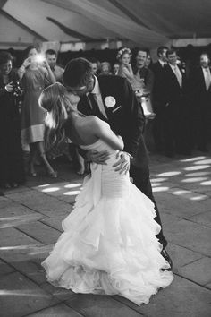 Cute photo idea for first dance