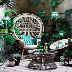 Tandis que le minimalisme scandinave et le baroque aiment se réinventer, le style botanique ne cesse de faire des émules...