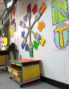 Cassie Stephens: In the Art Room: Paint Stick Pencil Cabinet! Cassie Stephens: En la sala de arte: ¡Gabinete para pintar y pintar! Art Classroom Decor, Art Classroom Management, Diy Classroom Decorations, School Decorations, Classroom Organization, Classroom Ideas, Salles D'art Élémentaires, Classe D'art, Elementary Art Rooms