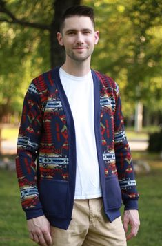 The Chapman Cardigan Sweater from Ellie & Mac is comfortable, stylish and definitely, a must-have in your wardrobe. - The Pattern Pages Sewing Mens Sewing Patterns, Ellie And Mac, Sewing Magazines, Fitness Fashion, Sweater Cardigan, Blazer, Guys, Stylish, Long Sleeve