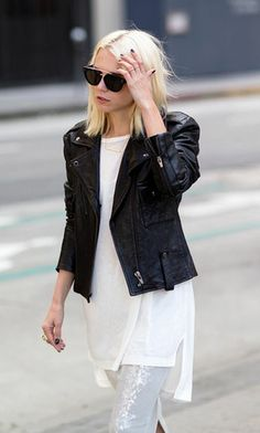 Nothing is more classic than a leather jacket and a white tee. Celine, Summer Outfits, Cute Outfits, Rocker Style, Dressing, Minimal Fashion, Casual Chic, Autumn Winter Fashion, Style Me