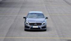 Une flotte exceptionnelle de véhicules de prestige et un large choix de véhicules : berlines de luxe, voitures de sport, 4×4′s et cabriolets