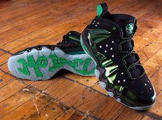"Nike Barkley Posite Max ""Gamma Green"" - Release Reminder - SneakerNews.com"