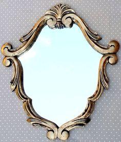 Espelho Veneziano Ouro Velho Moldura de Resina Decore com Estilo! Medida: 60 x 53 cm *Confeccionamos na cor desejada*