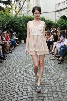 El Camarin Vestidos Flapper, Glamour, White Dress, Fashion Designers, Crochet, Dresses, White Gowns, Argentina, Weddings
