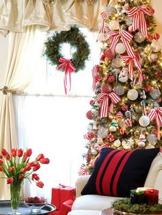 Christmas Tree Decoration Ideas with Ribbon and Wreath