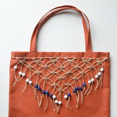 Learn the macrame square knot and embellish your totes with this quick and pretty fringe!