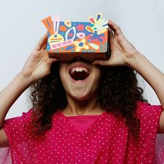 Complete with stencils, paints, construction paper, and more, you can design your own real-world work of art. Slide your device into the slot on the front of your decorated virtual reality viewer, sec