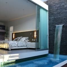A swimming pool is one of the favorite places to refresh our mind. It is no wonder that people will seek the resort with modern and luxurious swimming pool to spend their vacation. A nice swimming pool design will require . Piscina Interior, Moderne Pools, Small Pools, Plunge Pool, Swimming Pool Designs, Pool Houses, House Goals, Modern House Design, Home Interior Design