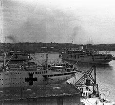 Le navi ospedale Saturnia e Vulcania nel porto di Trieste insieme ad altre unità pronte a partire per l'Africa Orientale  RG/RG076/RG00065527.JPG