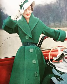 Jacques Fath P/E 1951. Photo Philippe Pottier. Mannequin Sophie Malgat.