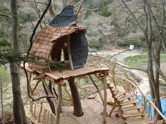 Japanese Tree House  #Treehouse Pinned by www.modlar.com