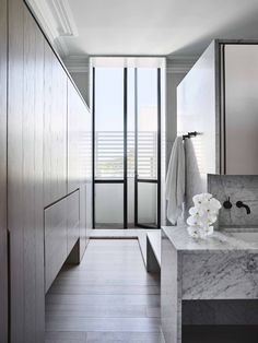 Regent by Smart Design Studio-Sydney Home Design Natural Light Inward Home Design, Smart Design, Design Studio, Bathroom Design Inspiration, Bathroom Interior Design, Design Ideas, Royal Oak Floors, Sydney, Timber Flooring