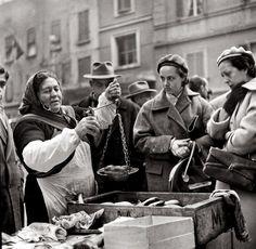 """Come eravamo e come siamo, """"Bologna e le festività di Natale 1950-2010""""…"""