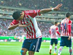 La actuación de Dario Verón en el estadio Omnilife fue el reflejo de los Pumas. El capitán fue cómplice en por lo menos dos goles de Chivas, perdió el esférico en la salida y se vio lento en el cuarto gol del Guadalajara. A pesar que el conjunto de Matías Almeyda no había ganado […]