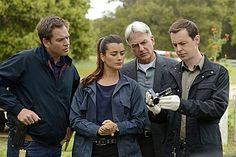 Still of Mark Harmon, Sean Murray, Michael Weatherly and Cote de Pablo in NCIS