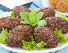 How to make Kibbeh. Easy and simple Kibbeh Recipe. A Levantine dish that resembles a fried croquette made of cracked wheat, spices, and herbs, stuffed with minced beef or lamb. Lebanese Cuisine, Lebanese Recipes, Vegetarian Recipes, Cooking Recipes, Healthy Recipes, Kibbeh Recipe, Arabian Food, Love Food, Food Porn