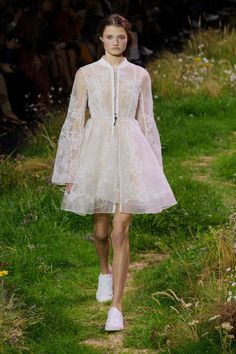 Moncler Gamme Rouge | Spring 2016 RTW