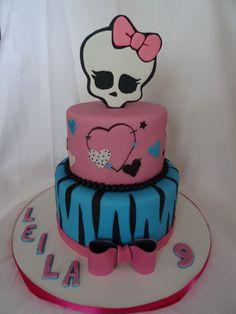 Monster+High+Cake Monster High Torte, Tortas Monster High, Monster High Birthday, 5th Birthday, Birthday Celebration, Birthday Cake, Cupcake Cakes, Cupcakes, Fondant