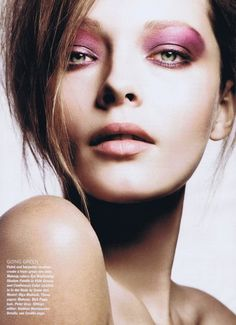 So jewel-toned makeup has been spotted at the 2012 runways so we offer a few tips and ideas on wearing this dramatic trend.
