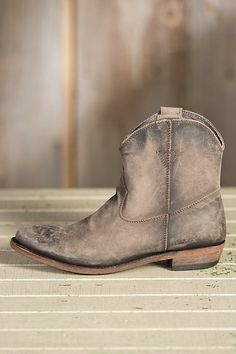 They're beautifully crafted of distressed leather for a homey, broken-in look that begs to be worn with jeans, leggings, or denim skirts. Free shipping + returns.