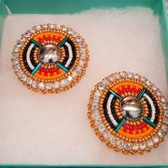 stampede is 3 weeks away mf Beaded Earrings Native, Beaded Earrings Patterns, Native Beadwork, Native American Beadwork, Bead Loom Patterns, Bead Earrings, Beading Patterns, Beaded Jewelry, Beaded Crafts