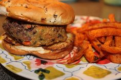 spicy black bean burger (recipe from skinnytaste)