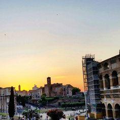 Il sole si nasconde dietro la storia... #panoramirionali #mobilephotography