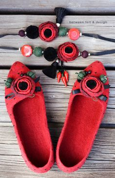 Women's home shoes Felted wool ballerinas Red Poppy Pointy