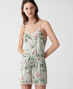 PYJAMAS - New In - Spring Summer 2017 trends in women fashion at Oysho online. Find lingerie, pyjamas, slippers, nighties, gowns, fluffy, maternity, sportswear, shoes, accessories, body shapers, beachwear and swimsuits & bikinis.