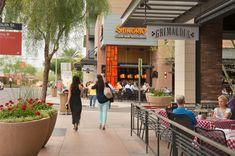 斯科茨代尔区商业街与办公区景观 Scottsdale Quarter by Design Workshop Scottsdale Quarter, Large Water Features, Desert Oasis, Public Art, Lawn, Street View, Outdoor Decor, Design