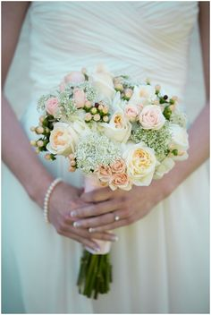 pink and white wedding bouquet. simple but gorgeous flowers // photo by erin krizo - lasting snapshots